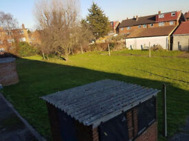 2 BEDROOM FLAT IN GREENFORD FOR EXCHANGE LOOKING FOR 3-4 BEDROOM HOUSE IN SOUTHALL UB1
