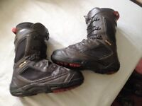 Salomon Synapse/Dailogue snowboard boots sz8uk and 7.5uk