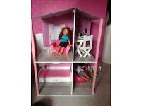 Design a friend doll house