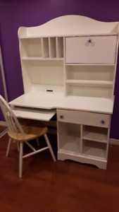 Student desk with hutch/Chair/Nightstand