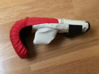 LONSDALE Boxing Gloves (for 7-12 year olds)