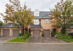 3 bdrm Townhouse With Great Location! Close To Sq-1