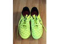 Nike leather Football Boots Size 7 hardly worn