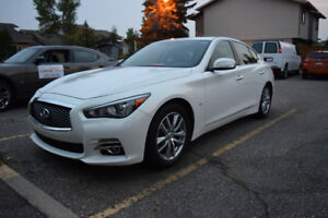 2014 Infiniti Q50 WITH LOW KMs!!! (private sale so no gst)