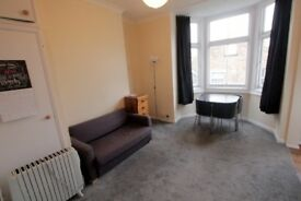 COZY 2 bedroom flat in **FINSBURY PARK** 5 minutes from the station!!! PARK JUST AROUND THE CORNER