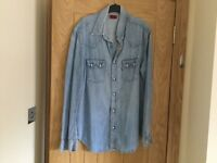 FOR SALE GENTS LEVI DENIM SHIRT