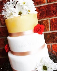 Wedding cakes and cupcakes!