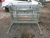 Ritchie sheep turnover crate livestock tractor