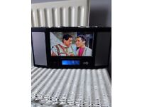 7inch portable tv FREEVIEW with Ipod dock