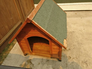 Trixie Wooden Dog House