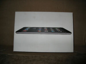 IPAD MINI2 GRAY SPACE NEW IN BOX 32 GIG SWEET $350.00 SHIPPED