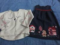BABY GIRLS PINAFORE AND SWEATSHIRT. AGE 12-18 MONTHS.
