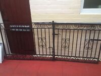 2 black metal gates in good condition