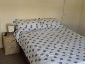 Double room to rent £340pcm all bills included. No Deposit required