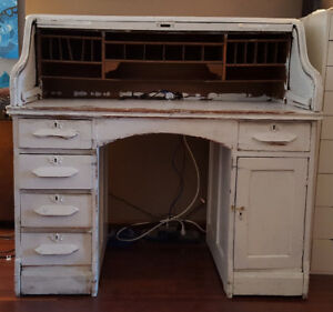 Gorgeous Vintage Roll Top Desk