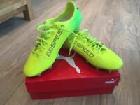 Puma Evospeed 17 SL K Lth Mx SG Size 8. Brand new, never worn with box.