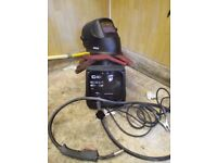 SIP welder with mask SIP 04790 Professional Migmate T135 Turbo Gas / Gasless Mig Welder
