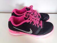 Girls/Womens Nike Trainers