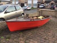 Vintage sailing boat / dingy - Wooden