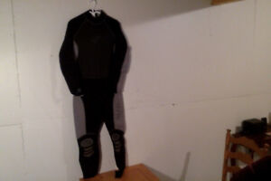 """Wetsuit...""""Bare""""- Adult Large"""