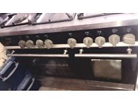 Kenwood Gas Cooker, 5 Burners and 2 Ovens