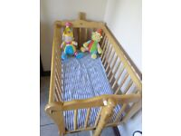 mamma and pappa's pine crib