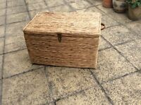 LARGE CHEST/TRUNK REED /WICKER IMMACULATE CONDITION £15 no offers