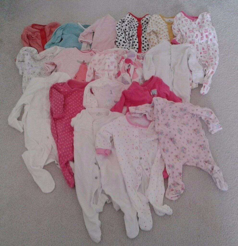 SOLD**Baby Girl Clothes bundle (0-3 months) for sale £12