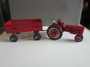 FARMALL DIE CAST TRACTOR AND WAGON