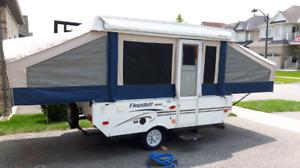 2011  10 ft flagstaff pop up trailer