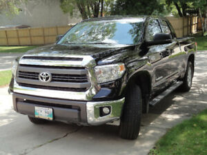 2014 Toyota Tundra 4x4 -Double Cab Pickup Truck