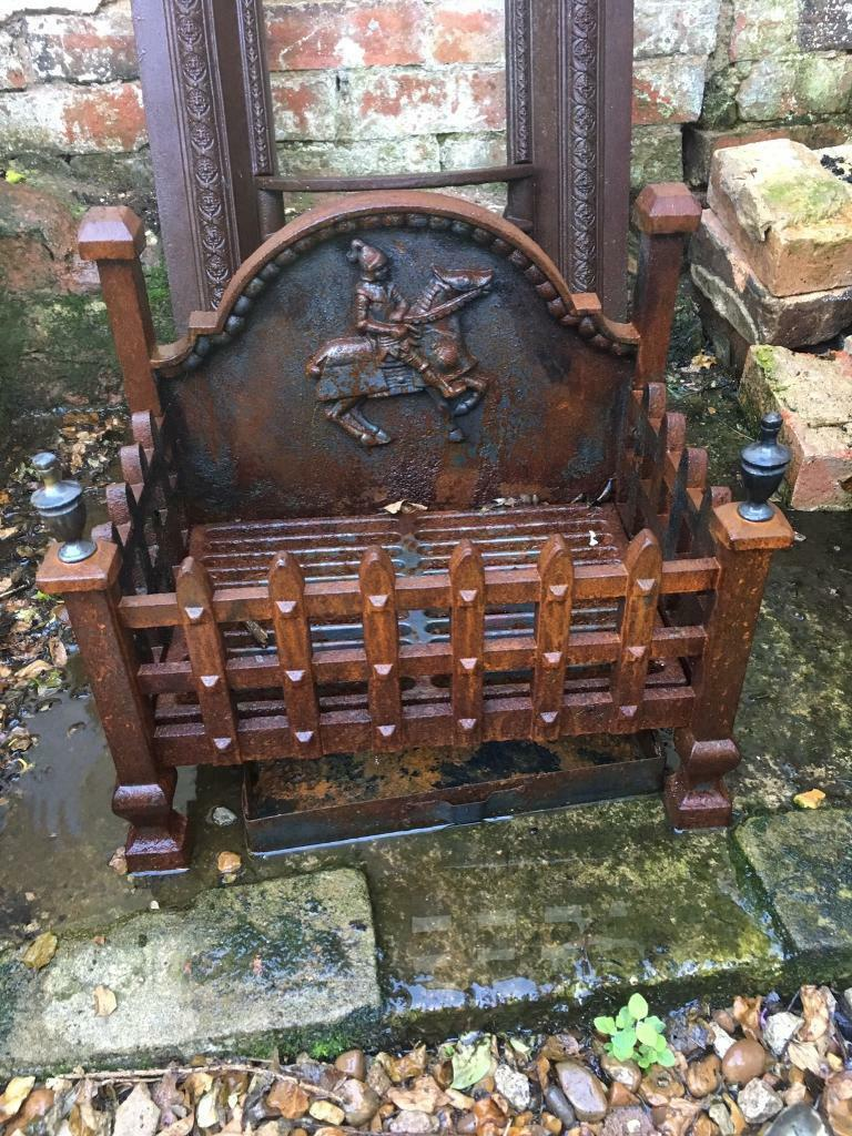 Fire gratein Bedford, BedfordshireGumtree - Very old fire grate. Sold as seen. Been removed from my fireplace (built 1800). Very heavy. Collection MK45. £10