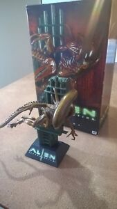 ALIEN Resurrection sideshow collectable polystone diorama