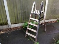 VINTAGE 5 TREAD 1400mm TALL FOLDING WOODEN STEP LADDERS