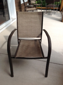 6 Stacking patio chairs