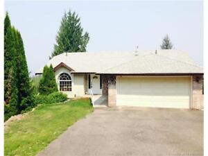 Nicely updated, lovely rancher home w/ LAKEVIEW of Copper Island