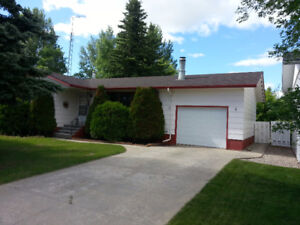 Beautiful House with 3 bedrooms for rent in Humboldt-SK