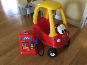 Little tikes car and gas station