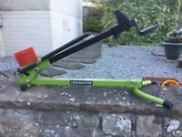 Foot Operated Logmaster Log Splitter
