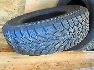 Quatre Pneus d'hiver / Four 205/70R15 Winter Tires