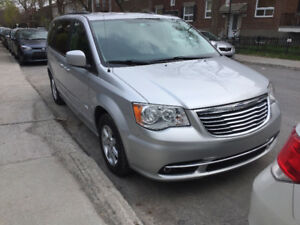 Chrysler Town & Country VUS