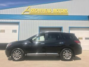 2015 Nissan Pathfinder / full load / heated leather / 4x4
