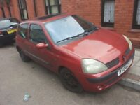 BARGAIN!!!RENAULT CLIO 2004 £300 ONO NEED GONE