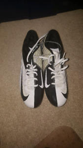 Nike football cleats size 7