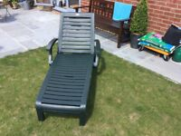 SUN LOUNGER FOLDING WITH WHEELS GOOD Condition