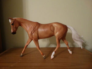 Breyer Horse - Bee's Knees