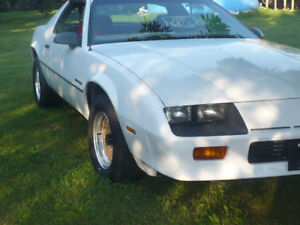 1986 Chevrolet Camaro Coupe (2 door)