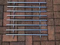 8 x metal T handles.