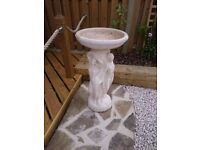 Beautiful Stone Garden Bird Bath / Table Statue