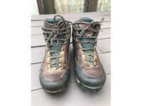 Men's BRASHER GORTEX Walking Boots UK8 LIGHTLY USED BUT GOOD CONDITION